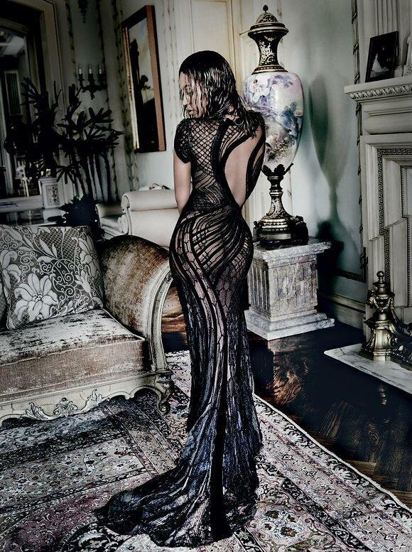 beyonce-september-cover-2015-02_nt0tw9