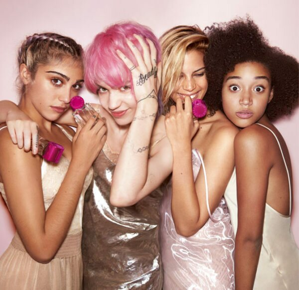 Amandla Stenberg Stars In New Stella McCartney Fragrance Campaign! - Jawbreaker