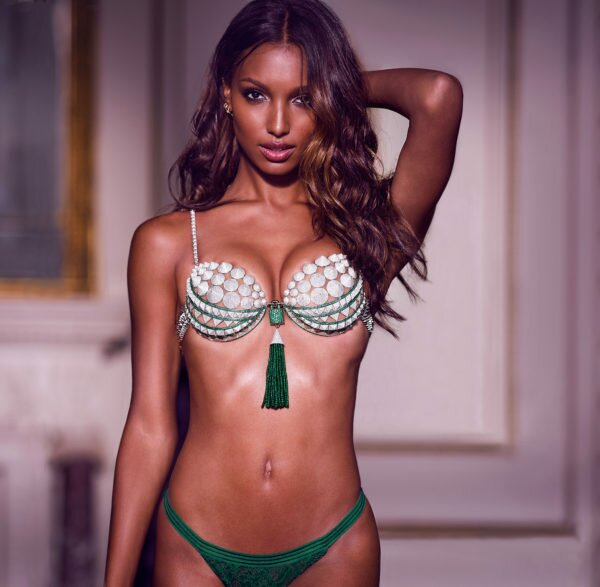 A Black Model Will Wear the Fantasy Bra At This Year's Victoria's Secret Fashion Show! - Jawbreaker
